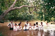 Missões em Venezuela/ Batismo nas águas cumprindo o Ide.