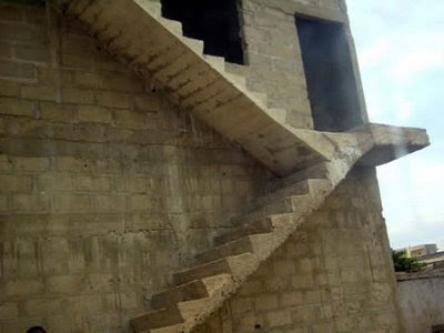 funny photo staircase to heaven