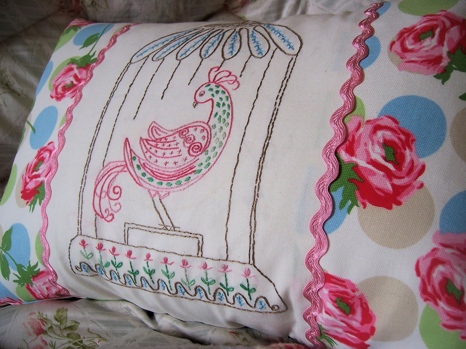 Groovy bird embroidered pillow tutorial bustle sew