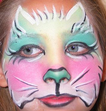 Maquillaje de gato rosa y azul