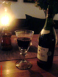 Så tar man fram litt god vin