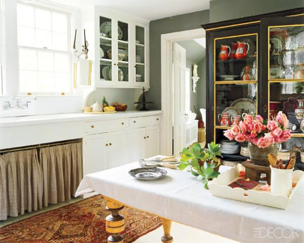 Beautiful living september 2010 for Benjamin moore chelsea gray kitchen