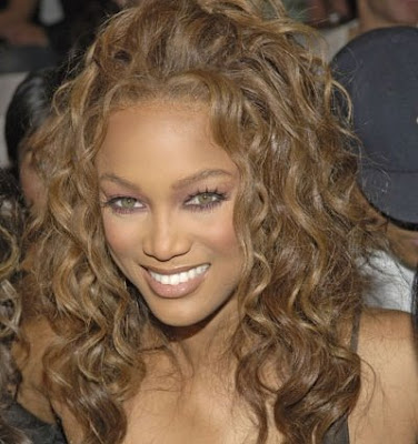 Curly & Wavy Hairstyles Tyra Banks Beach Photos