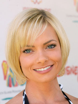 Short Hairstyles For Women 2009. photos of short hair styles