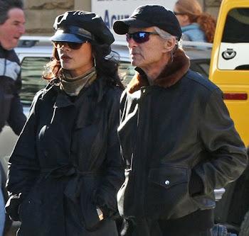 Michael Douglas y Catherine Zeta-Jones, romántico paseo por las calles de Nueva York Después de var