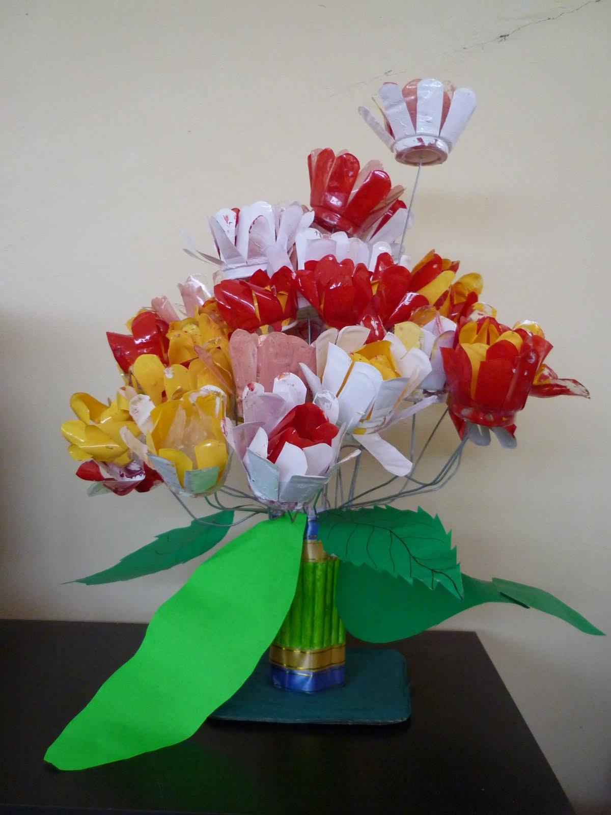 Bunga dari Gelas Air Mineral