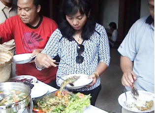 Makan Siang di Desa Wisata