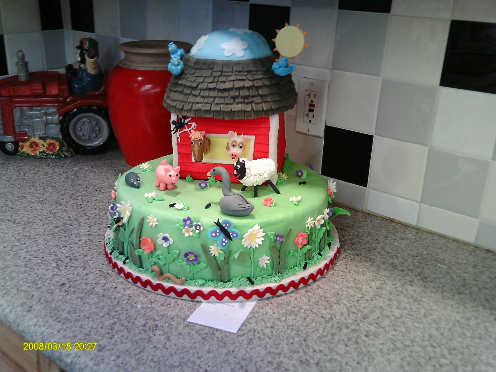 Beautifully Embellished Cakes: The Competition Cakes