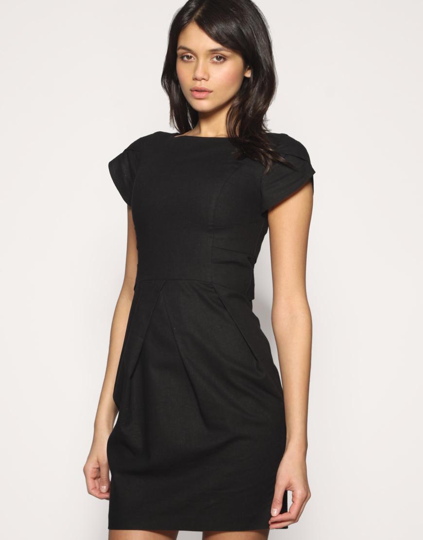 Платье прямое с завышенной талией