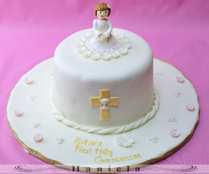 Haniela 39 s first holy communion for 1st holy communion cake decoration ideas