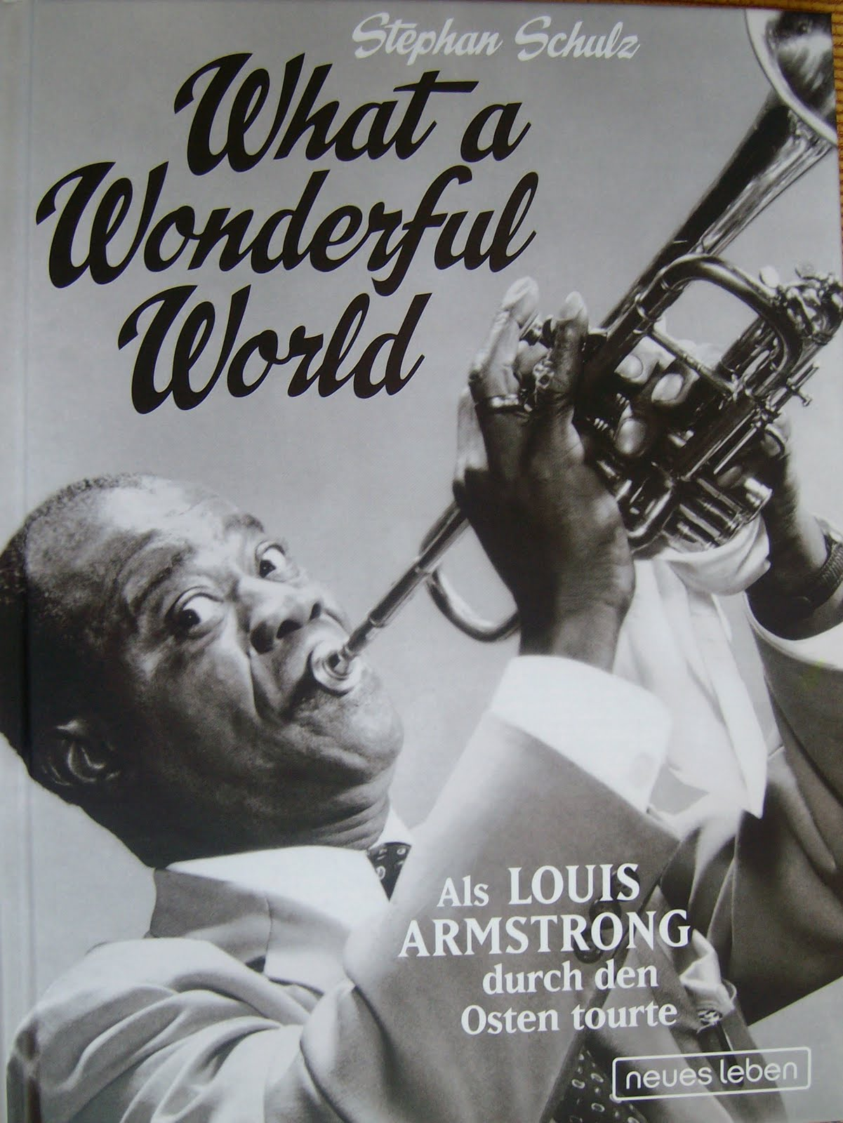 an introduction to the life and music by louis armstrong Louis armstrong (august 4, 1901 - july 6, 1971) nicknamed satchmo or pops, was an american jazz trumpeter and singer from new orleans, louisiana coming to prominence in the 1920s as an inventive trumpet and cornet player, armstrong was a foundational influence in jazz, shifting the focus of the music from collective improvisation to solo.