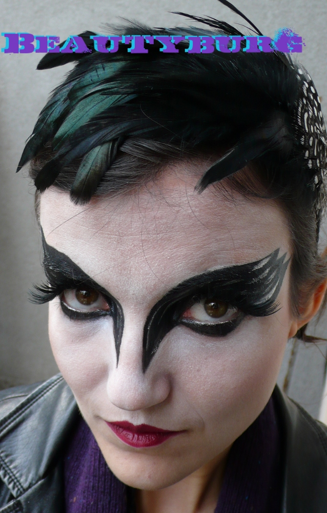 Black and White Swans - Makeup Looks Inspired by Natalie Portman in The