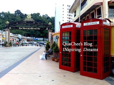unique kk telephone booth