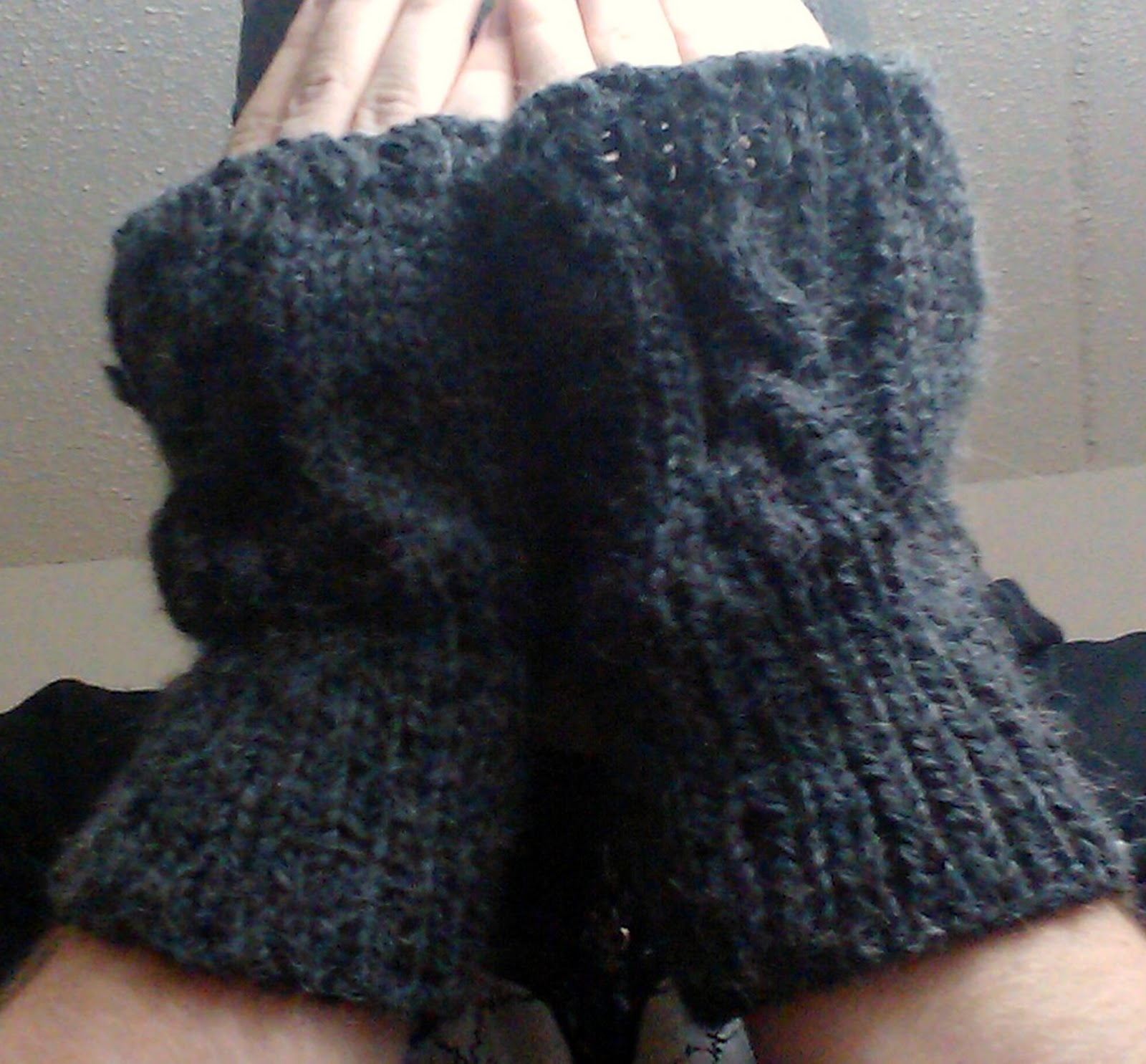 Mens Fingerless Gloves Knitting Pattern Free : No Idle Hands: Mens Glove Pattern