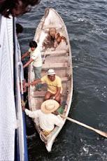 Loading Canoa