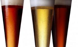 Articole culinare : Cât de mult ne ajută berea vara