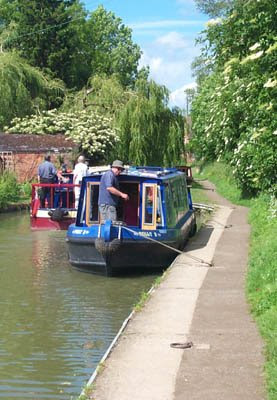 narrowboats on the canal at cropredy