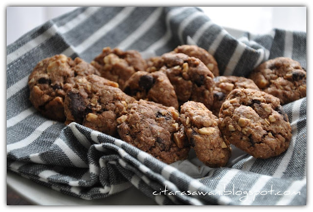 Biskut Famous Amos / Oatmeal Crunchy Cookies - Recipes Today!