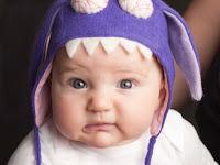 Eski kazaklardan çok cici şapkalar yapmışlar bebekler
