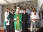 + Monseñor Luís y su clero venezolano.
