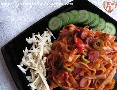 Sausage & Olives Fettuccine فيتوتشيني بالسوسيس والزيتون