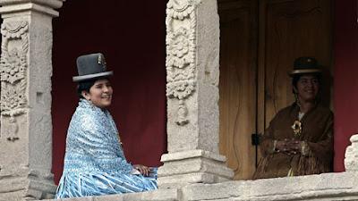 La  Chola  Boliviana Vence El Estereotipo Ind  Gena Y Asume Nuevos