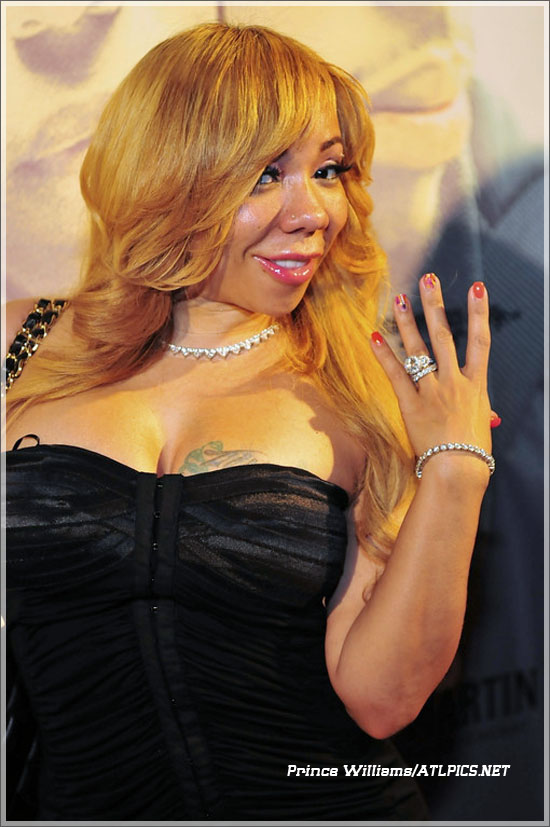 Tiny harris wedding ring