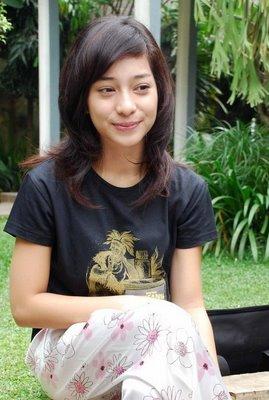 Tag GALERI FOTO ARTIS INDONESIA