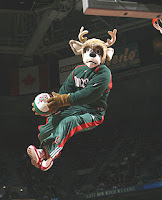 [BLEEP] YOU, MASCOT! Bango dramitically reenacts Games 3 & 4 of Hawks-Bucks
