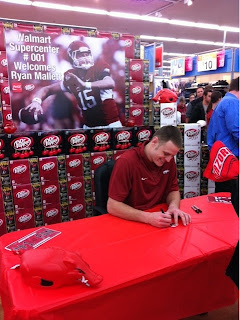 Ryan Mallett at a Walmart? Ryan Mallet at a Walmart