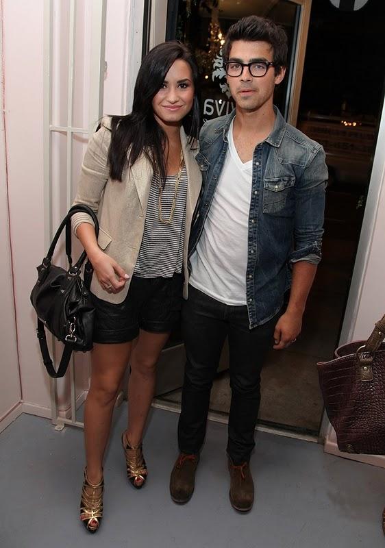 Demi Lovato Here We Go Again U0026 Remember December