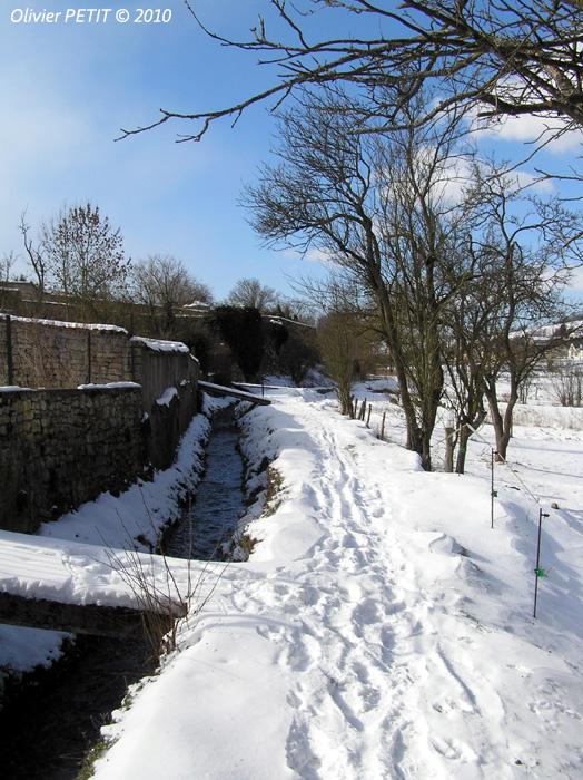 MAIZIERES (54) - Un village sous la neige