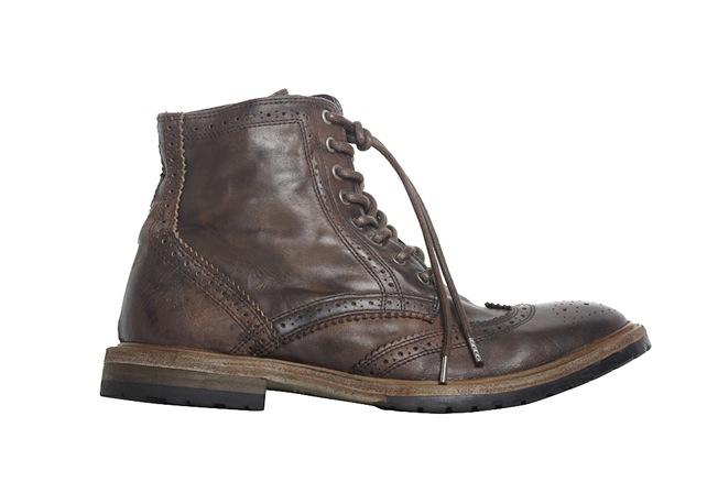 http://1.bp.blogspot.com/_yOeedEWc3Bk/TOoNIEGsd5I/AAAAAAAAA5A/484jbpROKpw/s1600/Brogue-boots.jpg