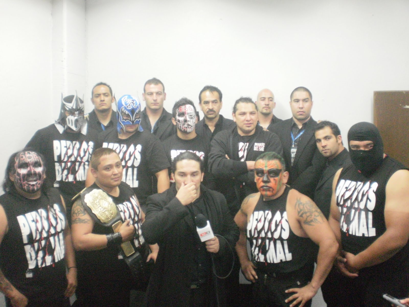 Luchadores Los Infernales a Los Mejores Luchadores