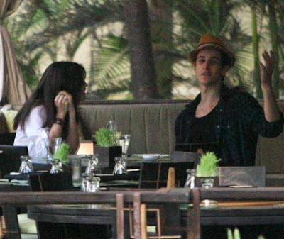 selena gomez kissing david henrie. Selena Gomez and David Henrie