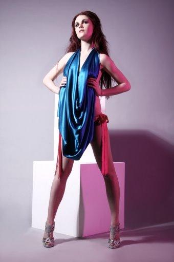 [kiki+insignia+blue+lounge+dress.asp]