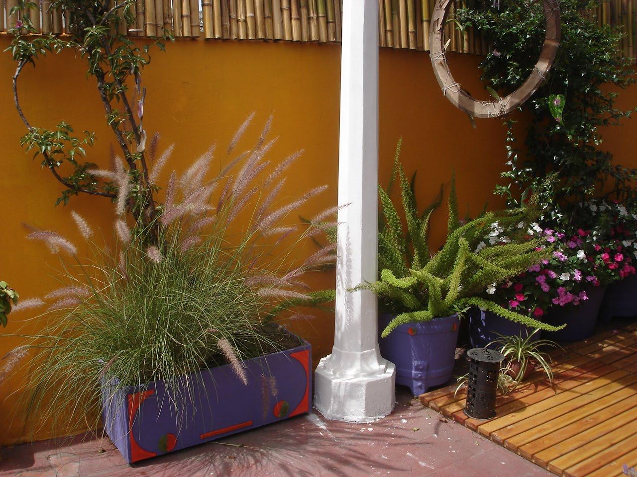 Lineas y curvas decoraciones de terrazas y jardines for Jardines decoraciones