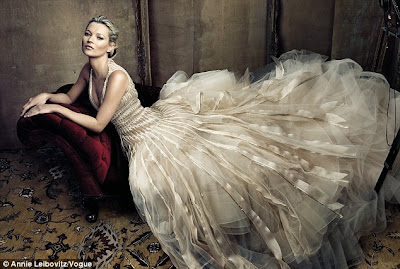 hot Kate Moss looks Stunning On Vogue