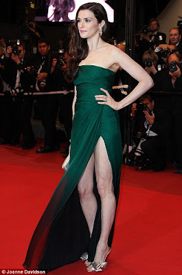 hot Rachel Weisz Looks Sizzling Hot in Revealing Dress at Cannes