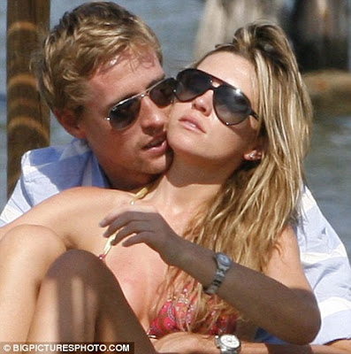 hot Abbey Clancy & Peter Crouch