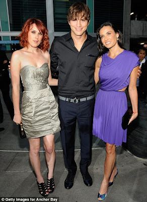 Ashton Kutcher with wife hot Demi Moore & Rumer Willis