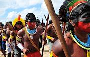 """. dos europeus viviam povos ameríndios que foram denominados de """"índios"""", . (ãndios no parã¡)"""