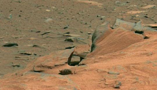 08.02.2011 Plusieurs structures Alien & Faces sur Mars photographiés par  Rover Spirit  UFO%252C+Sighting%252C+News%252C+Figure%252C+Mars%252C+Spirit%252C+Rover%252C+Surface%252C+PIA10214%252C+Face%252C+Faces%252C+buildings%252C+structures%252C+odd%252C+strange%252C+proof%252C+evidence%252C+NASA%252C+ET%252C+2012%252C+omni%252C+classified%252C+secret%252C+odd%252C+strange