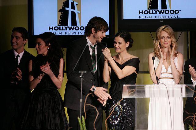 http://1.bp.blogspot.com/_yXlaHdaQvAE/TLaxYmy-kzI/AAAAAAAADCg/mr8xZYJVuO4/s1600/Hollywood_Film_festival_1_orig.jpg