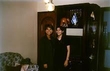 Valéria Rodrigues Com a Amiga Cantora Leonor no ano de 1999 em Brasília-DF