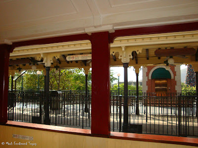 Hong Kong Disneyland Railroad Photo 11