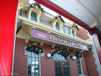 Hong Kong Disneyland Railroad Photo 4
