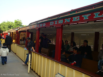 Hong Kong Disneyland Railroad Photo 3