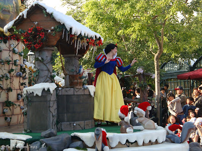 Disney's Let It Snow Parade Photo 12
