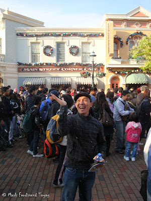 Disneyland Snowing Photo 1